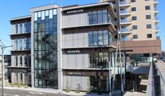 名取市図書館外観写真